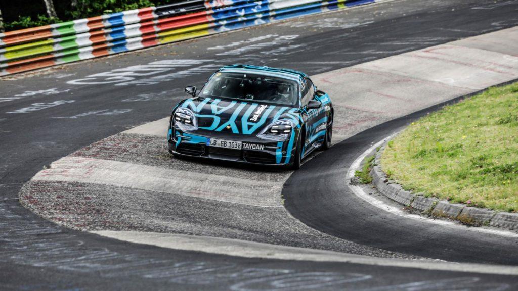 Porsche Taycan en Nürburgring vs Tesla