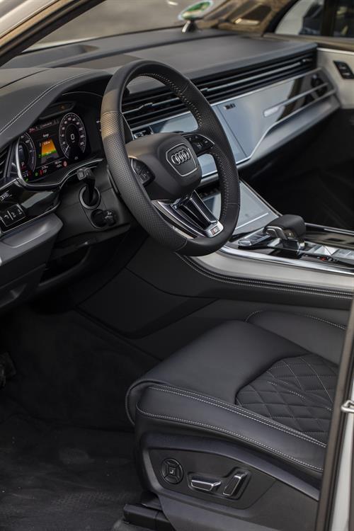 Interior del Audi Q7 60 TFSIe Quattro