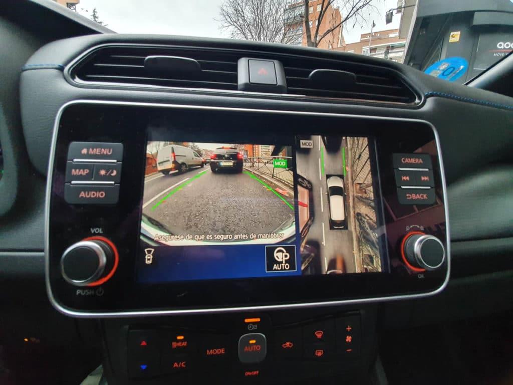 Nissan Leaf e+ pantalla interior